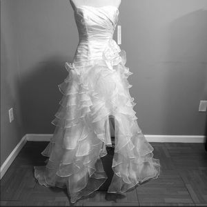David's Bridal NWT Tiered Ruffled Wedding Dress 2